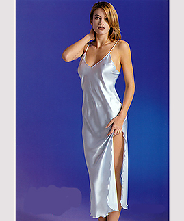 Long nightgown -  -