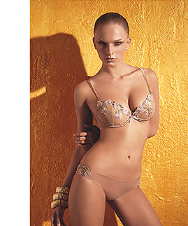 Lingerie set: bra and braziliana thong by Laura Biagiotti