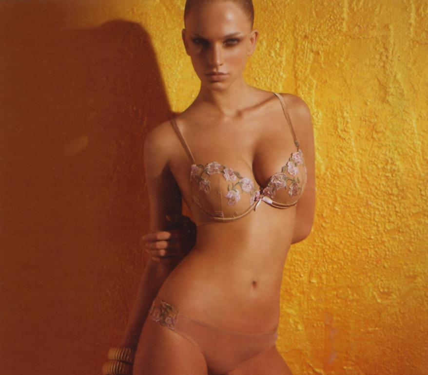 Lingerie set: bra and braziliana thong by Laura Biagiotti - Marzia